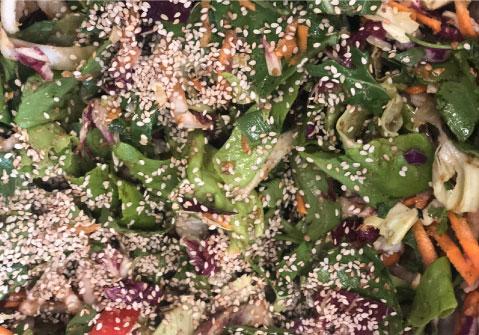 Insalata verde con semi